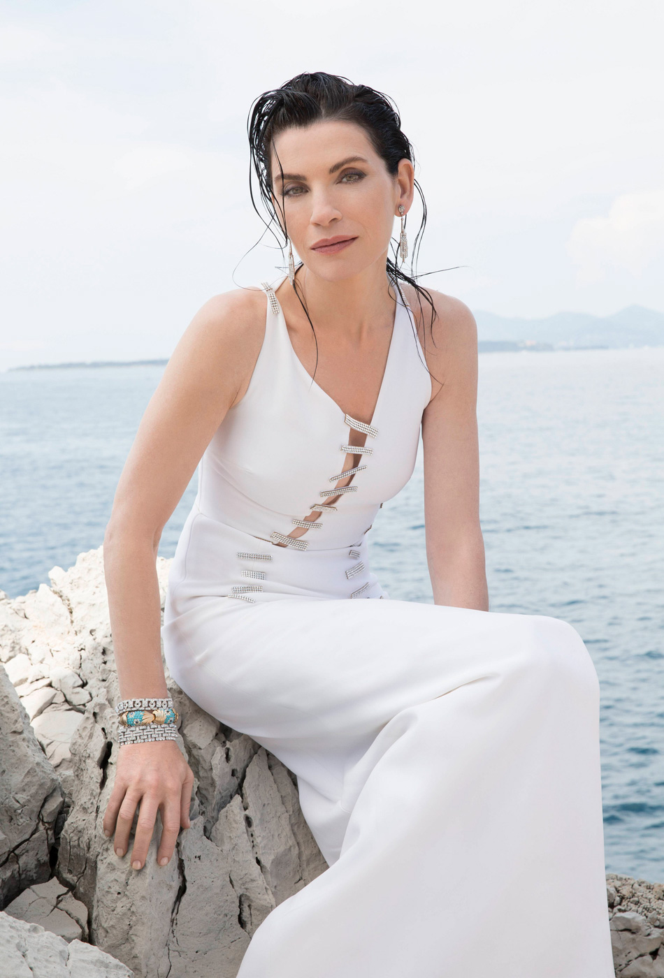 Julianna Margulies is absolutely marvelous. Scroll to see more stunning photos!