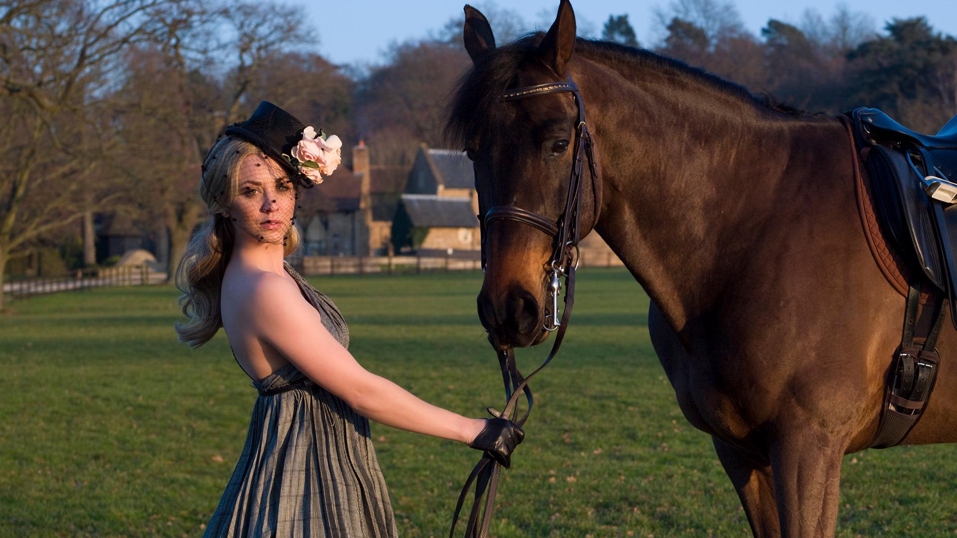 She shows horses under a secret name