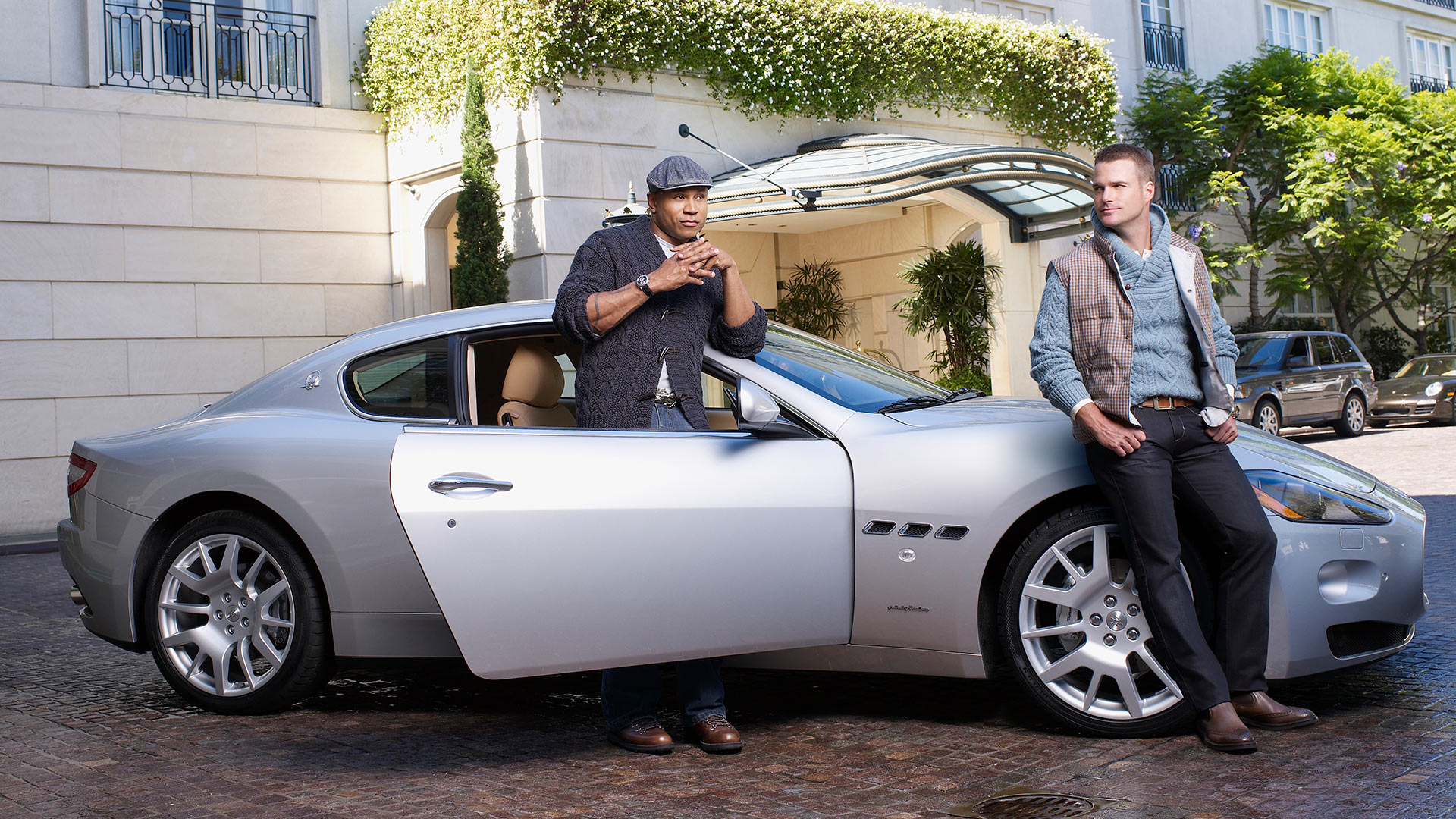 Dynamic duo LL COOL and Chris O'Donnell doing what it takes to get the shot