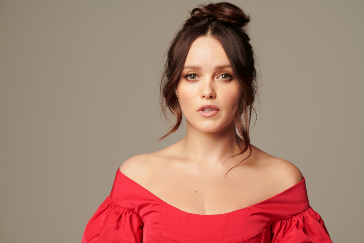 Clarice star Rebecca Breeds trades her FBI badge for oh-so-pretty frocks and dresses for a gorgeous new fashion photo shoot!