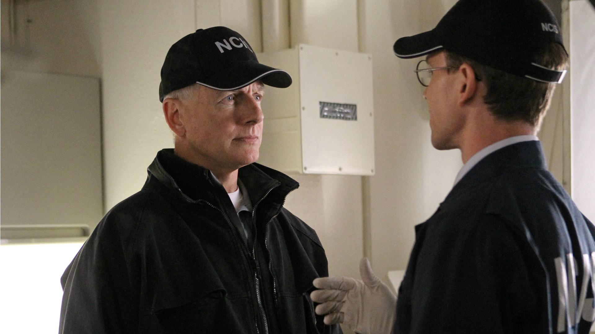 Gibbs' Rule #2: Always wear gloves at a crime scene.