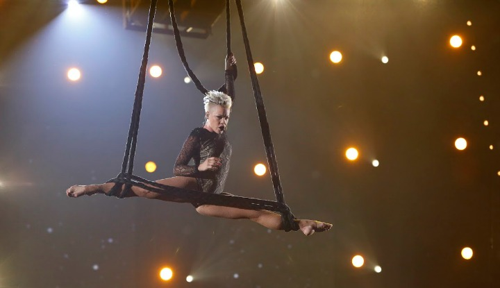 Pink wowed with an acrobatic act during her