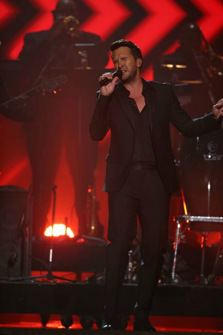 Luke Bryan joins star-studded lineup to honor Lionel Richie.