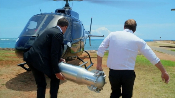 Hawaii Five-0: Danno and McGarrett manage to get a nuclear bomb off of the island safely before Kono's wedding.