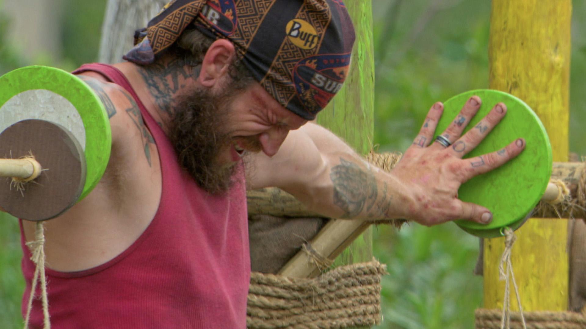 Episode 10: Jason experiences agonizing pain during a brutal Immunity Challenge.