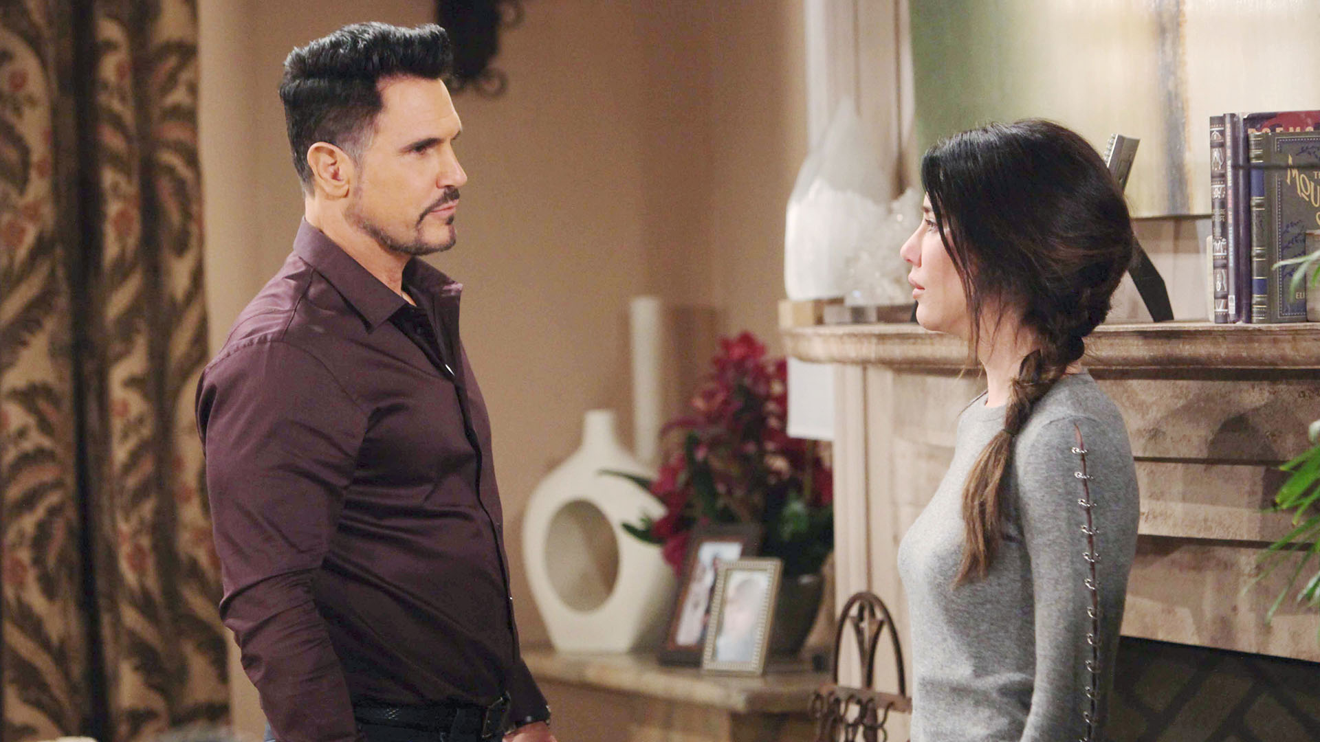 Bill warns Steffy of the huge price they both will pay if their secret is revealed.