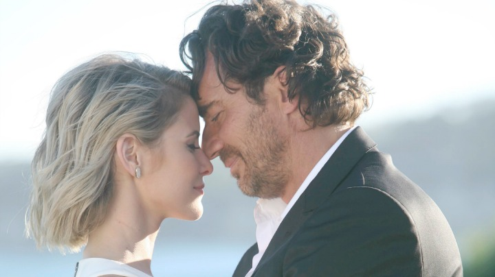 Ridge and Caroline have a private wedding.
