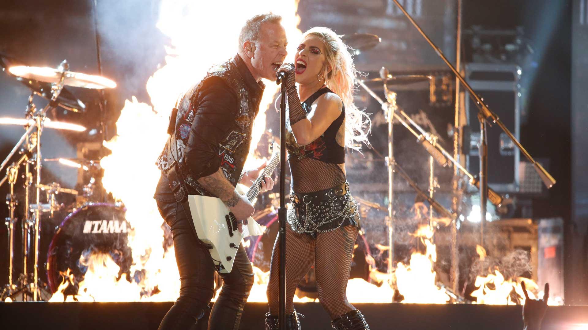 Metallica featuring Lady Gaga perform