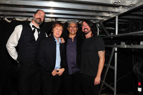 23. Krist Novoselik, Paul McCartney, Pat Smear, Dave Grohl