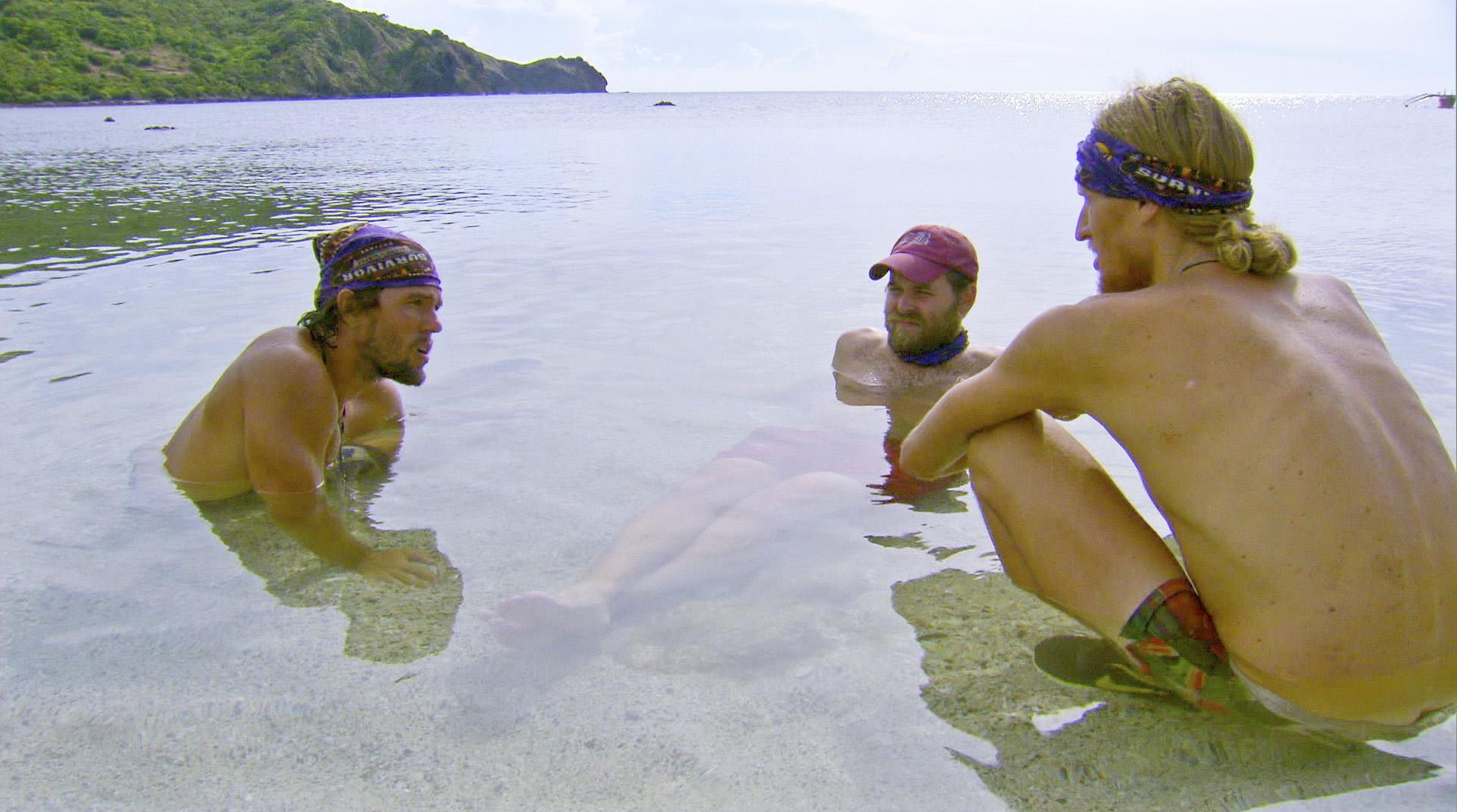 Guys chat in Season 27 Episode 10