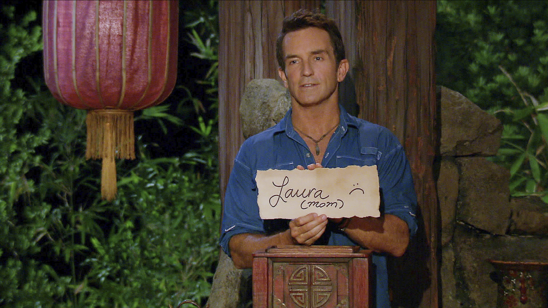 Jeff shows off Ciera's vote against her mom in Season 27 Episode 10
