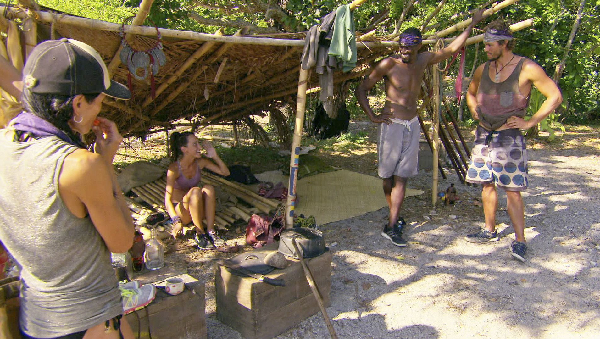 Chatting at camp in Season 27 Episode 13