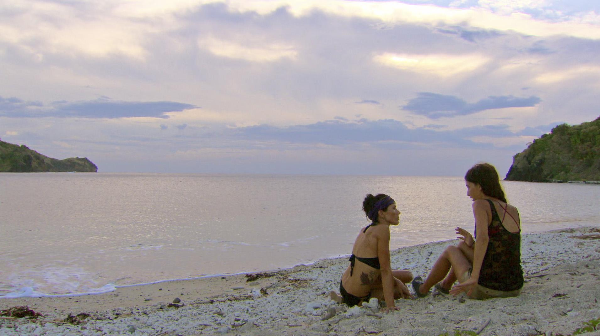 Ciera and Monica chat in Season 27 Episode 13