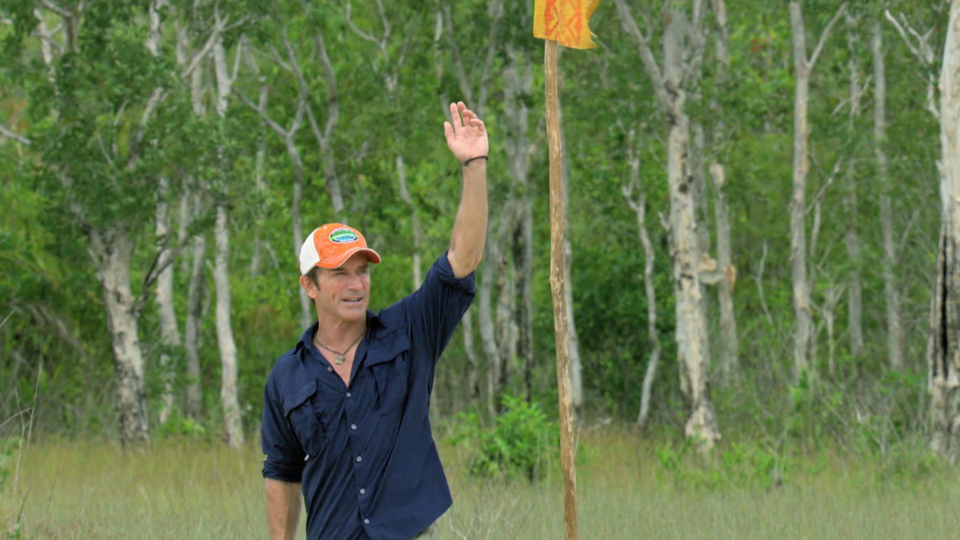 Host Jeff Probst signs for the start of the next Individual Immunity Challenge.