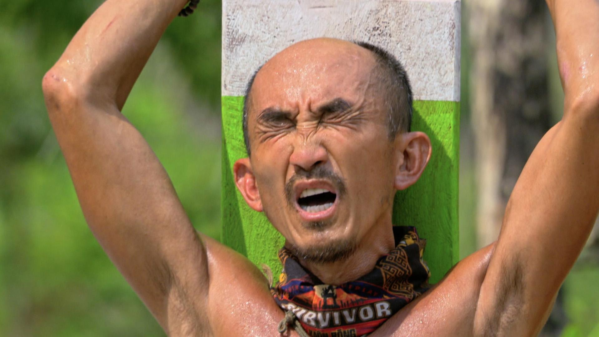 6. Tai battles his way to an Individual Immunity win.
