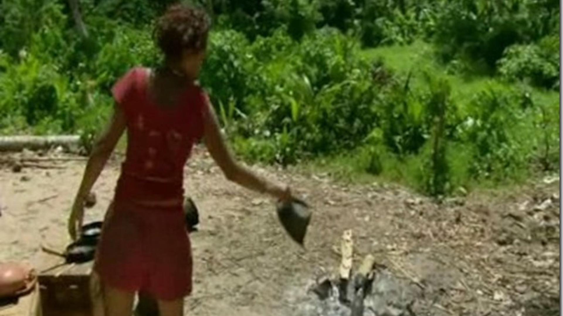 Sandra Diaz-Twine burns Russell Hantz's hat on Survivor: Heroes Vs. Villains