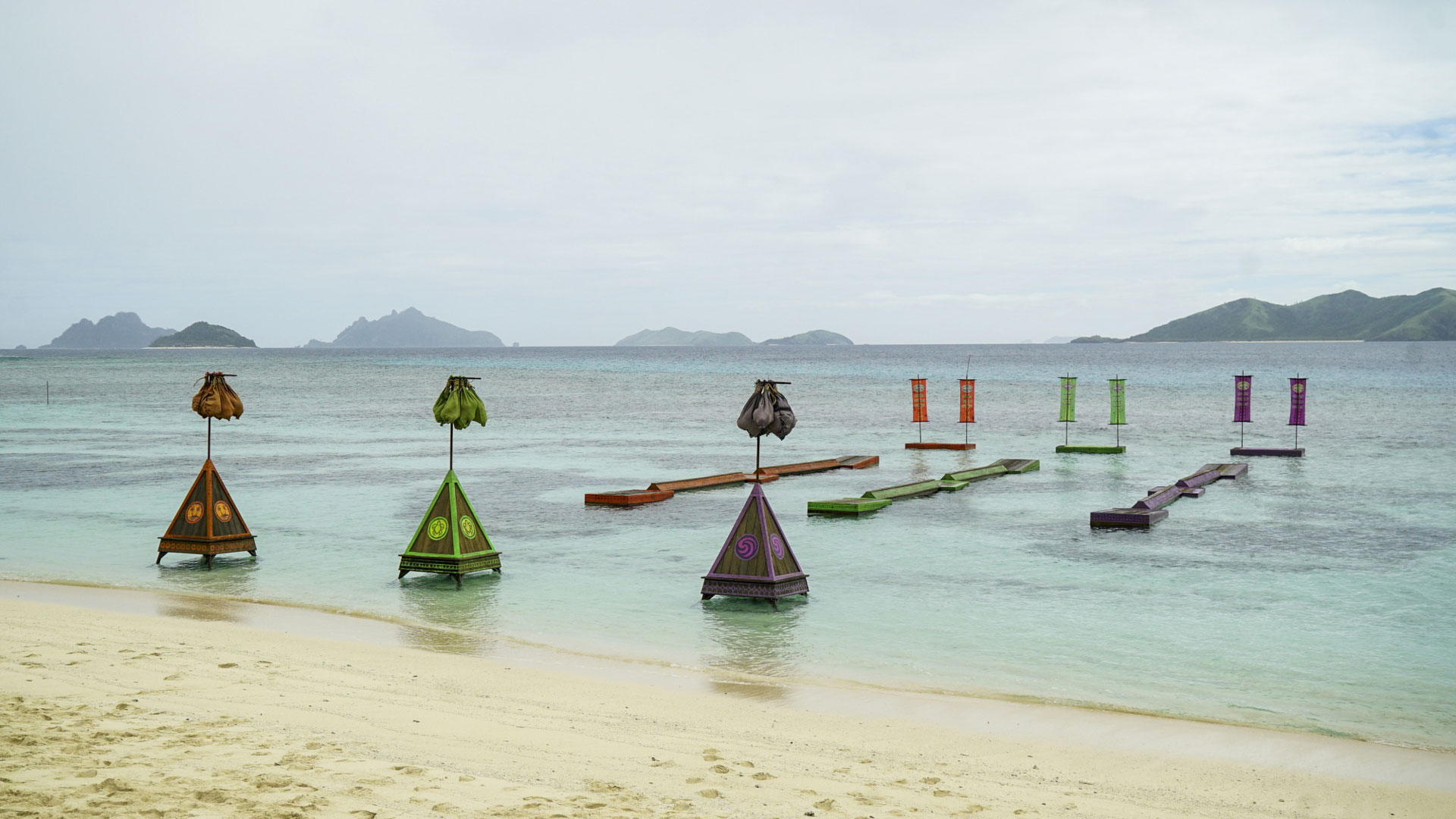Calm waters await the castaways for their next Immunity Challenge.