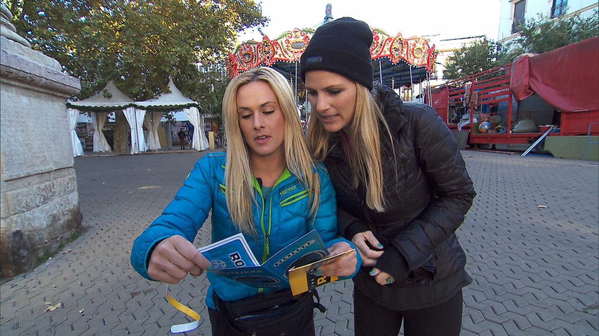 Caroline and Jennifer in Season 24 Episode 10