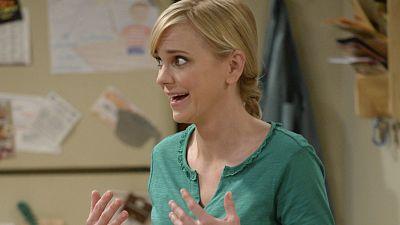 Chris Pratt To Guest Star As Anna Faris' Love Interest On Mom