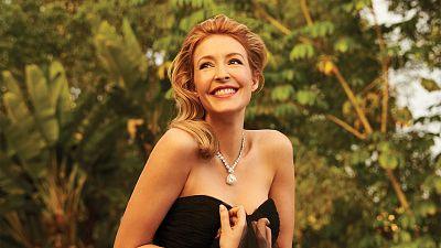 Salvation's Jennifer Finnigan Goes Old Hollywood Glam