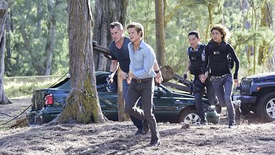 MacGyver Teams Up With The Hawaii Five-0 Task Force